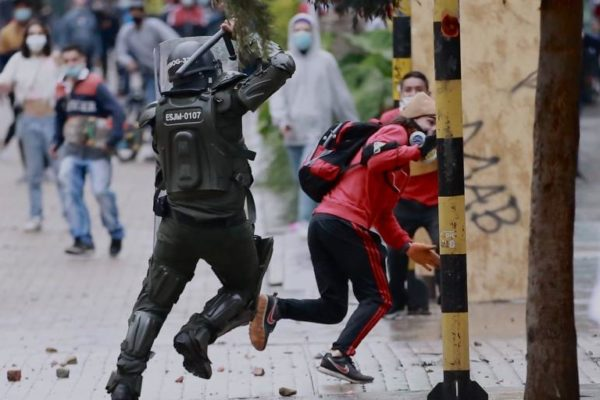 Solidaridad con la lucha del pueblo colombiano